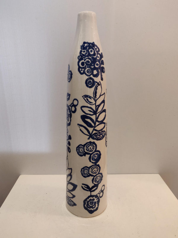 long-slim-blue-vase-medium-Castlemartyr-House-Gallery-Gifts-Co-Cork-Ireland (15)